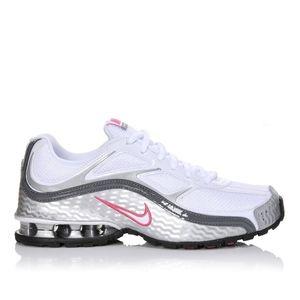 Woman's Nike Reax Run 5